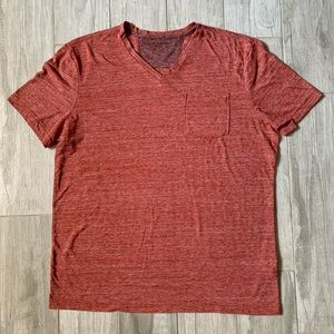MENS BANANA REPUBLIC RED VINTAGE TEE